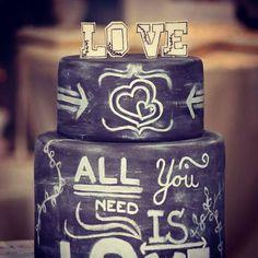 Wedding cake black #svatebnidorty #netradicnisvatebnidorty #allyouneedislove #love @nasedorty.cz