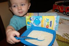 Dziś na śniadanie lane kluseczki na mleku modyfikowanym z Miodem Nestlé - Zdrowy Start w Przyszłość #NestleJUNIOR #pysznesmaki #miód #wanilia