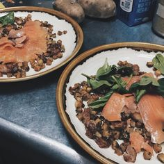 Hash out Sundays! Norwegian cold smoked salmon house cut russet potato streaky bacon baby spinach and finished off with housemade pesto and freshly grated Parmesan! Fing tasty food! Come get them now now now! #sinleefoods #cafe #cafehopping #cafehoppingsg #cafesg #food #foodsg #yummy #delicious #champ #foodgasm #seafood #crab #igsg #Singapore #goodfood #asian #vscocam #vsco #coffee #specialtycoffee #latteartsg #latteart #bacon #brunch #aburi #mentaiko #family #salmon by sinleefoods