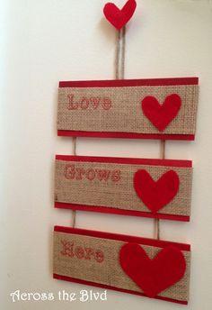 #SCBH2015 Burlap, Wood & Felt Hanging Valentine's Sign~Easy to make using laminated burlap sheets and felt hearts