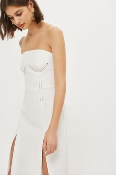 Ivory bardot dress with topstich detailing. Bardot Dress, Fashion Details, Women's Fashion, Rich Girl, Signature Style, Going Out, Ideias Fashion, Strapless Dress, Topshop