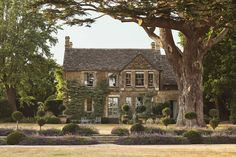 """Thyme Hotel is located in the heart of provincial England, in the Cotswolds, where thousands of tourists come every year to see """"that England"""". The hotel ✌Pufikhomes - source of home inspiration Cotswolds Hotels, Sweet Home, Country House Hotels, Country Houses, Country Life, Best Pubs, English Countryside, Staycation, B & B"""