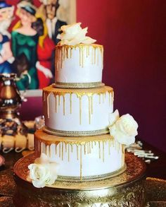 The perfect gold drip cake with added fresh florals. Cakes 2 Dy 4 in Corpus Christi, TX