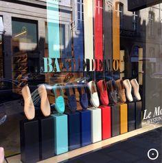 Vitrines e Lojas que destacam com qualidade os sapatos são um verdadeiro fetiche…