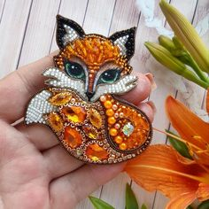Beads and beadwork - Beads and beadwork - Fox Jewelry, Bead Jewellery, Beaded Jewelry, Bead Embroidery Jewelry, Fabric Jewelry, Beaded Embroidery, Beadwork Designs, Beaded Crafts, Beaded Brooch