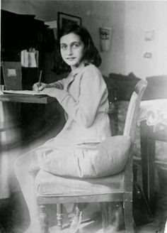 vintage everyday: Anne Frank – Her Life in Pictures, Some of Them Are Rare That You May Not Have Seen Before Anne Frank, Frank Martin, Margot Frank, Marie Curie, Old Photos, Vintage Photos, Essay Contests, African American History, American Women