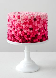 Gradient Texture Cake | Be Mine | The sweetest Valentine | Valentine's Day dessert ideas | Valentine's Day cookies | Valentine's Day cakes | Valentine's Day sweets || JennyCookies.com #valentinesdaysweets #valentinesdaydesserts #vdaycookies