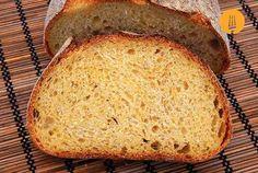 Este pan está elaborada con harinas de trigo y maíz. El producto resultante destaca por una miga dorada y una corteza crujiente. Nos hemos decantado por us