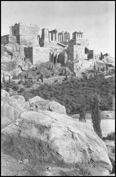 https://flic.kr/p/ChnAiw | Ο  Άρειος Πάγος και η Ακρόπολη. Φωτογραφία: Antoine Bon από το βιβλίο Retour en Grèce, 1938.