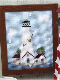 Lighthouse Clock - great gift for the sailor in your life - PLASTIC CANVAS - easy
