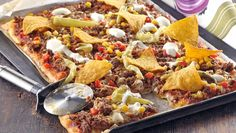 Tacopizza blir snabblagat fredagsmys Nachos, Taco Pizza, Recipe For Mom, Paella, The Best, Keto Recipes, Sandwiches, Food And Drink, Favorite Recipes