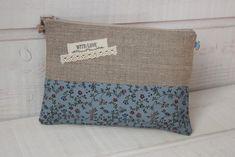 Pochette plate (n°17) lin & liberty bleu - Un grand marché Diaper Bag, Liberty, Plates, Bags, Black Linen, Blue Grey, Handkerchief Dress, Licence Plates, Handbags