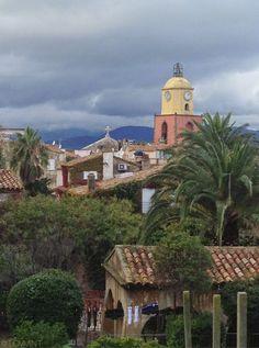 L'église vue de La Citadelle - St tropez