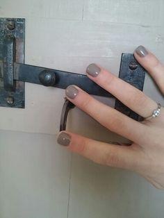 Shellac nails. Rubble uv nail colour