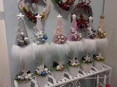 Christmas Gift You Can Make, Diy Christmas Room, Pink Christmas Decorations, Dollar Tree Christmas, Christmas Centerpieces, Christmas Baubles, Christmas Projects, Christmas Holidays, Christmas Wreaths