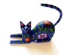 Alebrije wooden blue cat handmade in Oaxaca. Dot Painting, Ceramic Painting, 3d Art Drawing, Cuban Art, Mosaic Animals, Paper Mache Sculpture, Paper Mache Crafts, Wooden Cat, Small Sculptures
