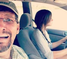 lolz online - My sister started driving recently; my dad uploaded this to FB today Funny Images, Funny Pictures, Hilarious Photos, Dad Of The Year, Even When It Hurts, Wife Jokes, Biological Parents, Life Questions, Strange Photos