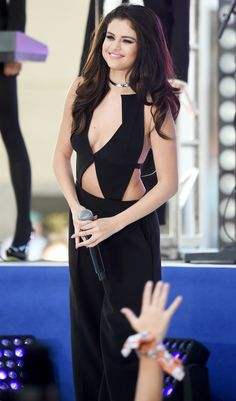 Selena Gomez Brings 'Same Old Love' to 'The Today Show' Stage - Watch Now!: Photo Selena Gomez rocks a cute cutout ensemble while performing on Today at Rockefeller Plaza on Monday morning (October in New York City. Vestido Selena Gomez, Selena Gomez Fotos, Selena Gomez Pictures, Selena Gomez Style, Marie Gomez, Celebs, Outfits, Dresses, Justin Bieber