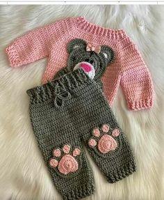 Crochet Baby Sweaters, Baby Cardigan Knitting Pattern, Crochet Baby Booties, Baby Knitting Patterns, Baby Patterns, Love Crochet, Crochet For Kids, Diy Crochet, Crochet Baby Costumes