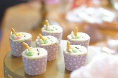 Get inspirational unicorn cake ideas from this image gallery of unicorn cake designs and cake toppers ideal for birthdays and kids parties Unicorn Cake Design, Cake Lifter, Cake Decorating Set, Unicorn Cupcakes, Nordic Ware, Good Grips, Unicorn Birthday, Cake Designs, Birthday Cakes