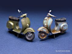 Micro-sized Vespa Models by Satoshi Araki Miniatur Motor, Vespa Models, Tomcat F14, Vespa 125, Miniature Cars, Model Hobbies, Scrap Metal Art, Vespa Scooters, Motorcycle Bike