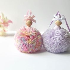 42 Trendy Clothes Pin Crafts Clothespins Pom Poms Source by martinebachand pin crafts Source by BonitaReichelFashion pin spring Easy Diy Crafts, Craft Stick Crafts, Handmade Crafts, Preschool Crafts, Pom Pom Crafts, Yarn Crafts, Paper Crafts, Yarn Dolls, Crafts For Teens To Make
