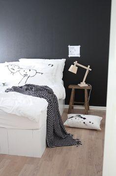 Via Deasogmina   Black and White   Muuto Wood Lamp