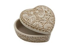 This heart-shaped, jewelley container comes with a lid. The single-fired ceramic has an incised traditional lace decoration on a white, matte surface. This box is perfect for use storing various types of jewellery, but the porous surface is not suitable for direct contact with food! It is an ideal gift for Valentine's Day.