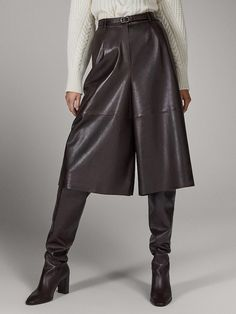 FALDA PANTALÓN NAPA LIMITED EDITION - Mujer - Massimo Dutti España Fashion Books, Fashion Outfits, Womens Fashion, Power Dressing, Leather Dresses, Leather Leggings, Bermuda, Leggings Are Not Pants, Skort