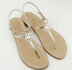 capri sandals chic elementi unici....... essenziali ma che fanno la differenza! Dea Sandals  Capri sandali gioiello capresi fatti a mano