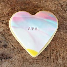 Not only do these heart shaped biscuits from BKD make cute personalised wedding favours, the colours are just so gorgeous
