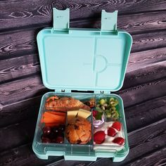 🪐 Fun Facts re our Aurora (Mint Green) Bento Lunchbox Name 🌕  An aurora is a natural light display in the Earth's sky, predominantly seen in the high-latitude regions (around the Arctic and Antarctic). 🍑 For more information regarding our leakproof bento lunchboxes visit www.dejkids.nz 🍓 🥪 🥦 🍉