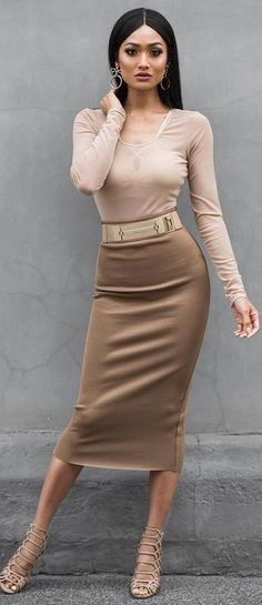 #Street #Fashion | Nude Long Sleeve Bodysuit, Bronze Midi Skirt And Nude Sandals | Micah Gianneli