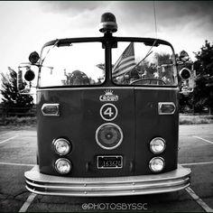 . Wheres The Fire .  ???  #PhotosBySsc #instadaily #instagood #instafollow #igdaily #canon #nikon #nikond3100 #nikon_photography_ #me #sun #sunset #tflers #igers #sky #photooftheday #vsco #vscocam #film #dslr #photograph #instamood #lfl #f4f #streetphotography #instalike #instabeauty #film #allshots #webstagram #photo #firetruck #truck #trucks #bnw #bw #blackandwhite #monochrome