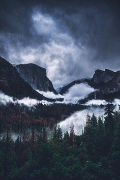 Yosemite National Park photo by Camaran Khiev Landscape Photography, Nature Photography, Travel Photography, Photography Tips, Night Photography, Photography Tutorials, Landscape Photos, Us National Parks, Yosemite National Park
