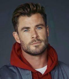 Beautiful Men Faces, Beautiful Boys, Gorgeous Men, Handsome Faces, Handsome Actors, Chris Hemsworth Hair, Dark Haired Men, Hemsworth Brothers, Happy Week End