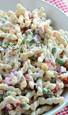 Creamy Pasta Salad with Bacon, Peas and Bell Peppers