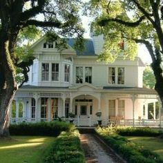 Tara loves to save beautiful old homes like this in the novel Shabby Chic at Heart. www.authorkirstenfullmer.com