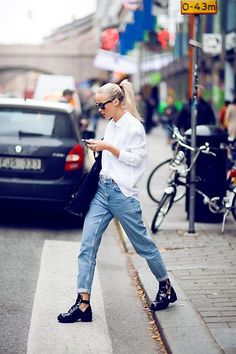Simple white shirt, boyfriend jeans and cutout booties