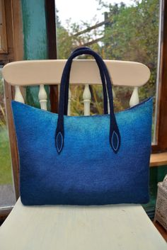 Blue gradient felt bag by Stephanie Tenier @ Feltastik