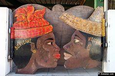 Nord Martinique : Porte d'un restaurant au Carbet.
