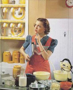 Retro Housewife ((i love a lot of retro/vintage)) Housewife Meme, 1950s Housewife, Vintage Housewife, Pin Ups Vintage, Vintage Images, Retro Images, Vintage Photographs, Retro Pictures, Fee Du Logis