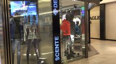 Vertical LED in Descente store, The Mira Mall, Hong Kong.  #digitalsignage #mainosnaytto