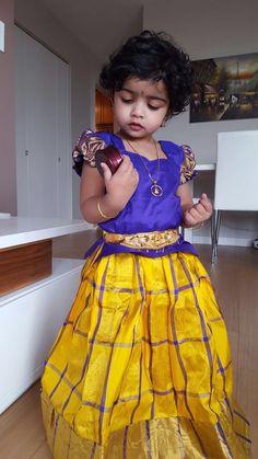 Kids Indian Wear, Kids Ethnic Wear, Kids Dress Wear, Mom Dress, Frocks For Girls, Kids Frocks, Baby Boy Dress, Baby Girl Dresses, Mini Frock
