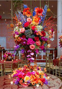 Kristin & Jason's Wedding decor! Photo: Jeff Loftin Photography ~ Flowers: Susie Miller #wedding #floral #decor