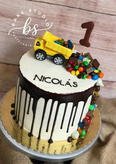 Little Boy Cakes, Cakes For Boys, Kids Construction Cake, Truck Birthday Cakes, Beautiful Birthday Cakes, Cake Decorating Videos, Drip Cakes, Themed Cakes, Party Cakes