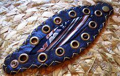 Braceletes artesanais no site: www.asuamaneira.com.br