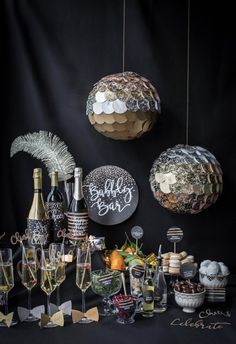 Dec 2018 - Go all out this New Year's Eve! Our DIY New Year's Eve champagne bar is the perfect way to ring in the new year in style. Bubbly Bar, Champagne Bar, Deco Nouvel An, Ideas Decoracion Cumpleaños, New Year's Eve Crafts, Party Mottos, New Years Eve Decorations, Disco Party Decorations, Easy Decorations