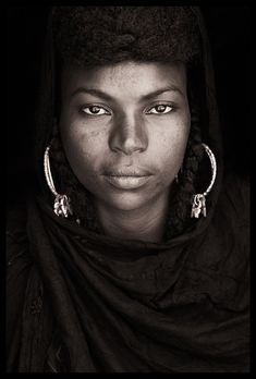 Culture Photographed --- West African Societies - John Kenny