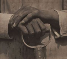 'Worker's Hands, Mexico' Gelatin silver print by Tina Modotti (American (born in Italy), Image and text information courtesy MFA Boston. Tina Modotti, Edward Weston, Louise Bourgeois, Henry Westons, Working Hands, Getty Museum, Diego Rivera, Documentary Photography, Ansel Adams